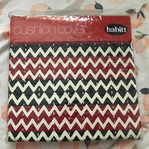 NWT Cushion Cover Chevron Black/Red Pattern